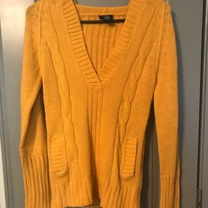 yellow sweater / yellow sweater hoodie